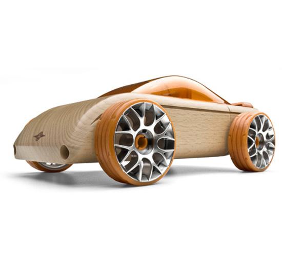 От автомобилей настоящих к автомобилям игрушечным