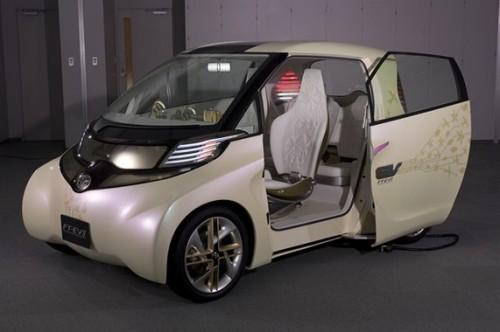 Toyota представила свой первый электромобиль