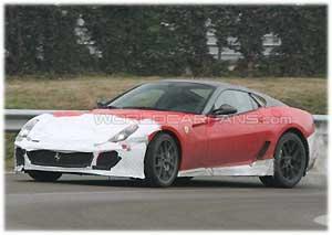 Ferrari 599 GTO был замечен шпионами