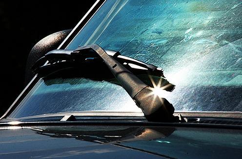 General Motors разработал дисплей для лобового стекла автомобиля