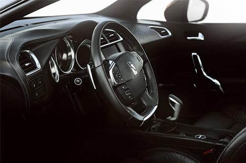 Фото интерьера нового Citroen появились в Сети