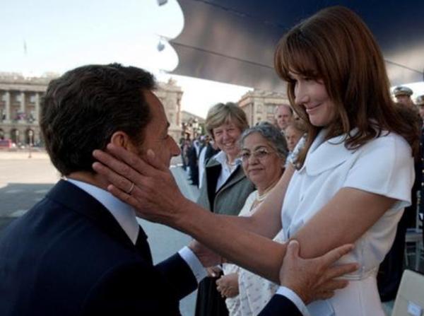 Реклама автомобилей использовала рост Николя Саркози