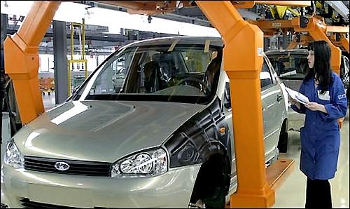 «АвтоВАЗ» выпустит машины на базе «Логана» под брендом Lada