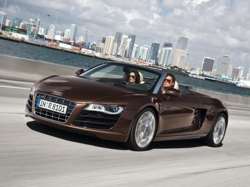 Audi показала полноприводный R8 Spyder 4,2 FSI
