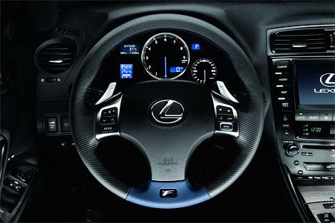 Рестайлинговый Lexus IS-F обзавелся новой приборной панелью