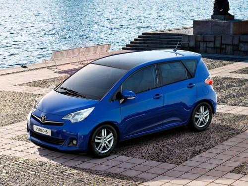 Toyota покажет в Париже новый компактвэн