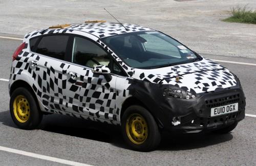 Папарацци рассекретили кроссовер на базе Ford Fiesta