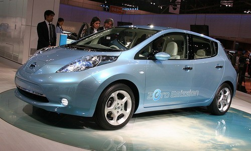 Японская компания Nissan начала производить электрокар Leaf