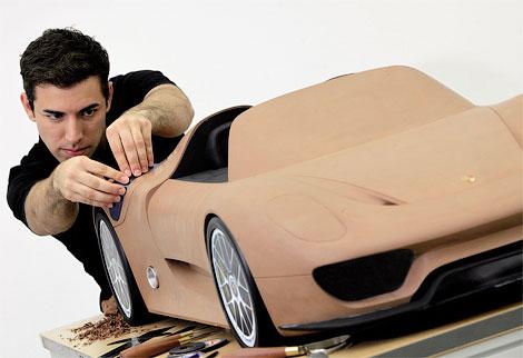 Представлен макет серийного гибридного суперкара Porsche 918 Spyder