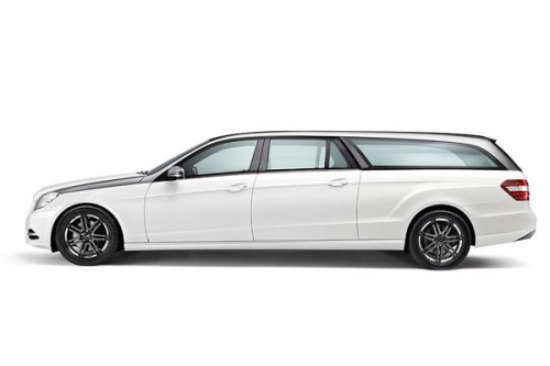 Универсал Mercedes-Benz E-класса стал намного длиннее