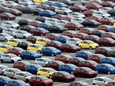 На китайском рынке отмечено значительное падение продаж легковых автомобилей