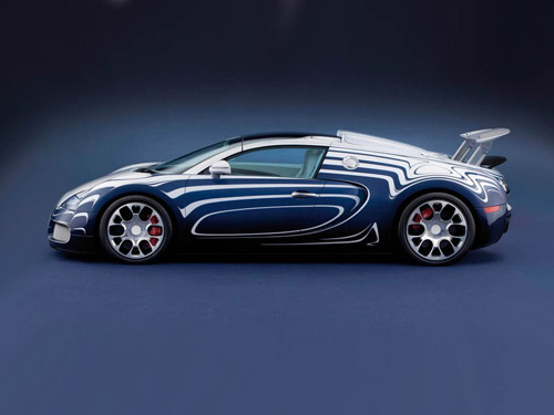 Bugatti создала уникальный фарфоровый суперкар