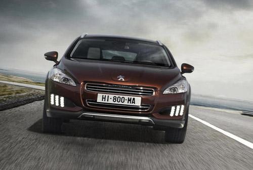 Peugeot представил гибрид 508 RXH