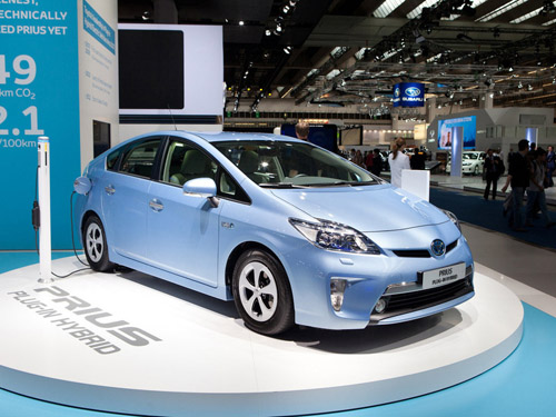 Toyota выпустит суперэкономичный гибрид Aqua