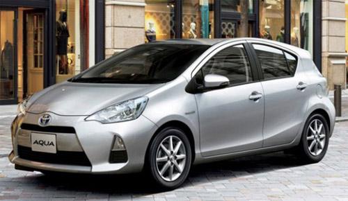 На рынок вышел новый гибрид Toyota Aqua