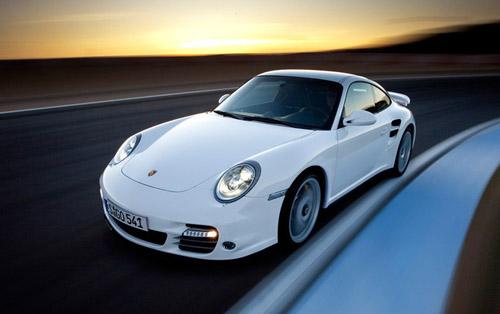 В Porsche 911 Turbo будет тройной турбонаддув