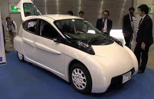 Прототип электромобиля SIM-LEI