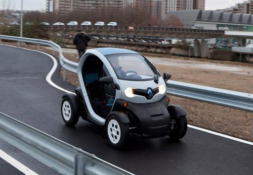 Начались продажи компактного электрокара Renault Twizy