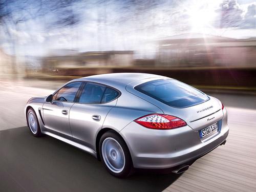 В 2014 году выйдет гибридный Porsche Panamera
