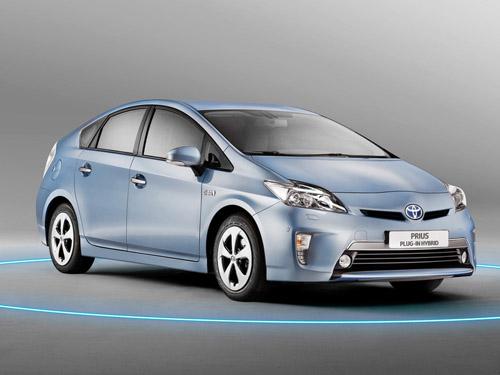Расход топлива Toyota Prius составляет всего 2,1 л на 100 км