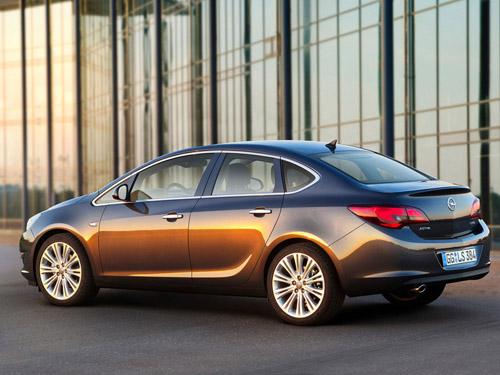 В Москве состоится мировая премьера седана Opel Astra
