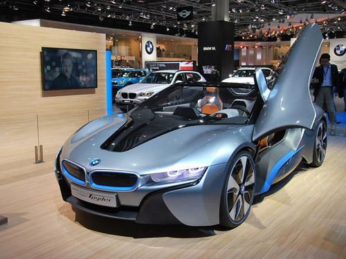 В Москве показали концепт BMW i8 Spyder