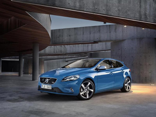 Выпущена спортивная версия Volvo V40