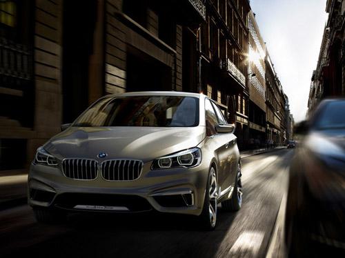 BMW представил свой первый переднеприводный автомобиль