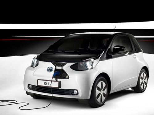 В Toyota решили выпустить только одну сотню электрических iQ