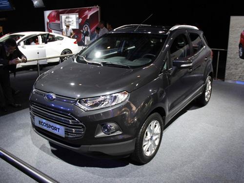 Ford привез в Париж компактный кроссовер EcoSport