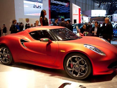 Дебют серийной Alfa Romeo 4C состоится весной