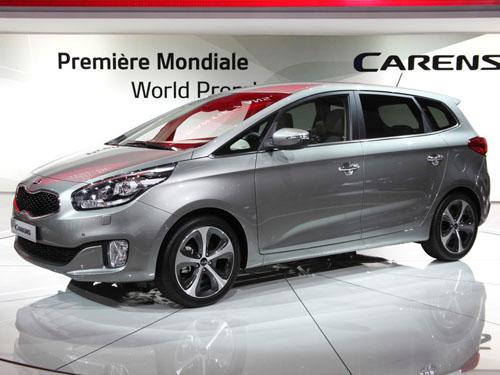 В Париже показан новый Kia Carens