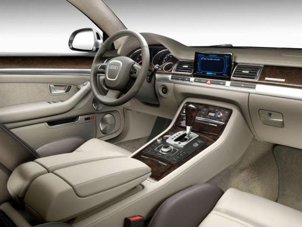 Audi A8 оснастили автопилотом