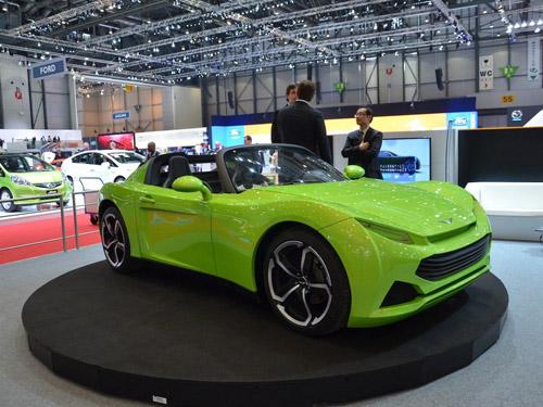 Французы показали в Женеве двухмоторный спорткар