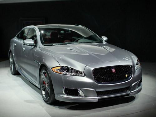 Jaguar показал в Нью-Йорке быстрый и роскошный седан