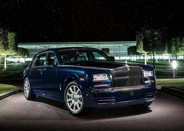 Rolls-Royce Phantom украсили бриллиантами