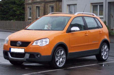 800px-volkswagen_cross_polo_orange_vl На российском рынке начинается продажа автомобилей семейства Volkswagen Cross