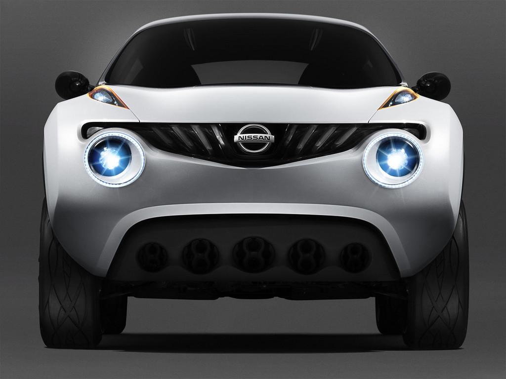 11 Nissan представил новый мини-кроссовер