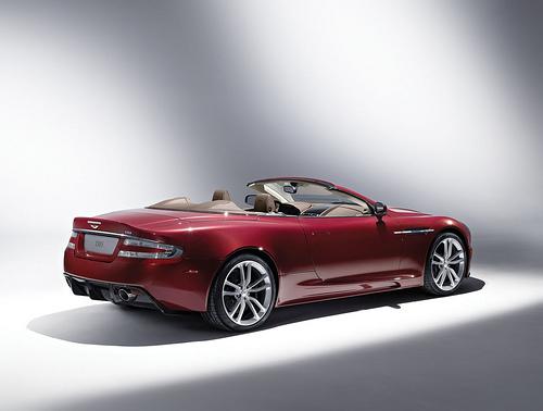 2 Новый шпионский автомобиль от Aston Martin