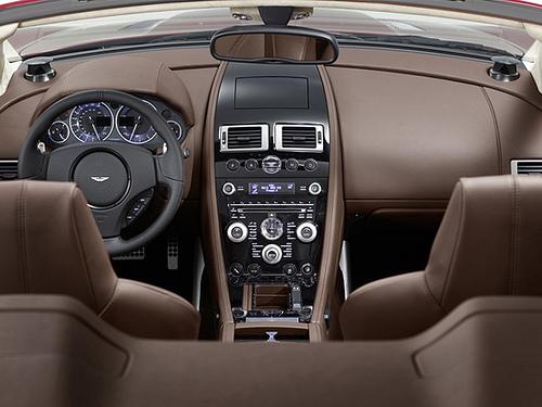 4 Новый шпионский автомобиль от Aston Martin