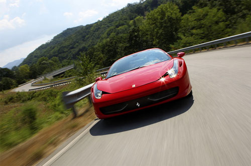 6 Новый суперкар Ferrari назвали в честь страны