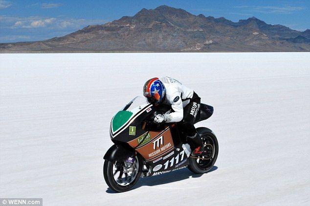 Джереми Клиланд разогнал электромотоцикл до 259 км/ч