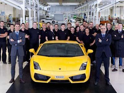 03-31859 Lamborghini выпустила 10-тысячный экземпляр Gallardo