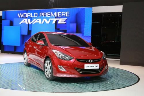 2011-Hyundai-Elantra-Avante-18-500x333 Зарубежные издания опубликовали первые снимки интерьера новой Hyundai Elantra