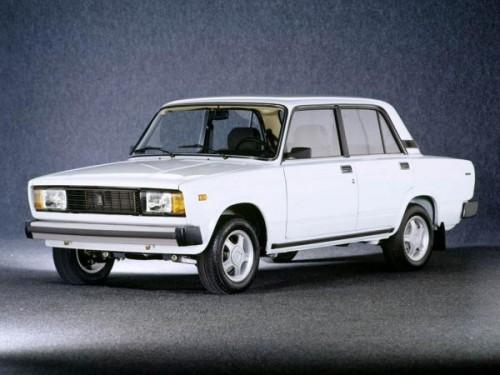 VAZ_Lada_2105_01_mid-500x375 Классика от ВАЗа – самый востребованный автомобиль в России