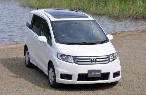 bg1280_376947-500x325 В Японии представлен минивэн Honda Freed Spike
