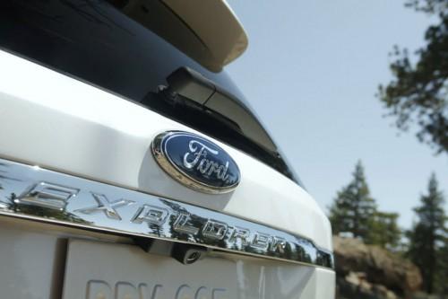 bg800_378323-500x333 Ford представил новый снимок обновленного Explorer