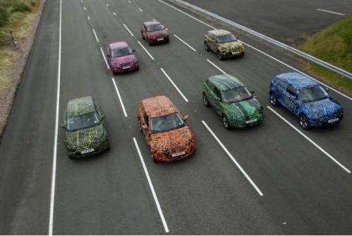 cross-500x336 Кроссоверы Land Rover Evoque испытают на дорогах всей планеты