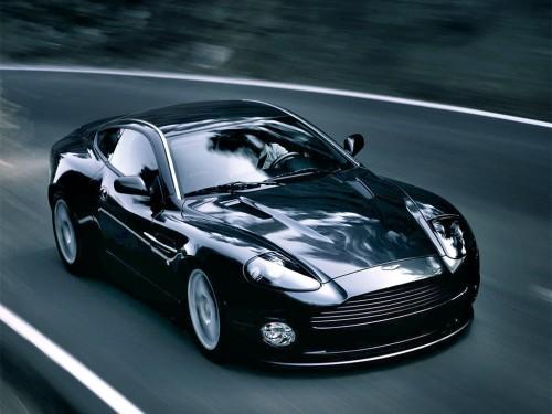 Aston-Martin-500x375 В России растет спрос на люксовые автомобили