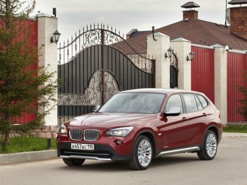 bg800_373383-500x375 BMW X1 лидирует в списке самых популярных люксовых кроссоверов